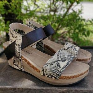 Womens Snakeskin Print Sandals Low Wedge Heels